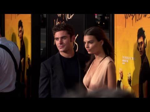 Zac Efron et Emily Ratajkowski ensemble sur le tapis rouge