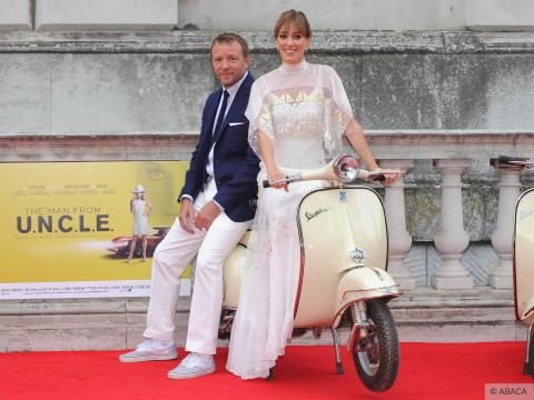 Exclu Vidéo : Guy Ritchie et Jacqui Ainsley : un couple charmant et complice aux Film4 Summer Screenings de Londres