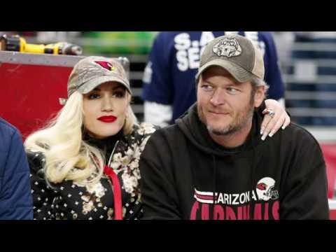 Gwen Stefani et Blake Shelton à un match de football américain