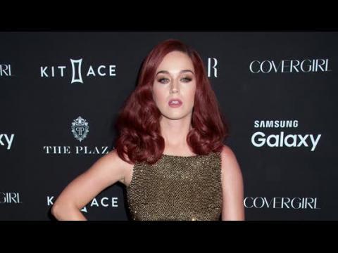 Katy Perry a l'impression d'être une paria parce qu'elle n'est plus une taille XS