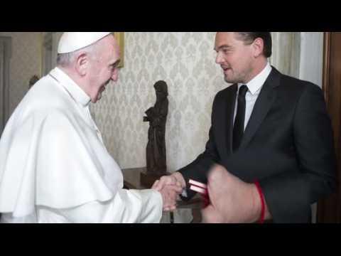 Le bracelet rouge de Leonardo DiCaprio ne représente pas la Kabbale