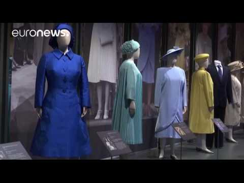 UK: The Queen's wardrobe on display