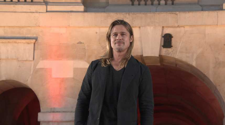 Brad Pitt fait une apparition surprise au concert de Frank Ocean !