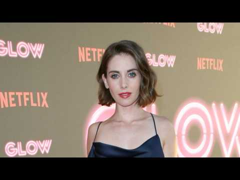 Alison Brie Posts Cute Throwback Pic on Instagram