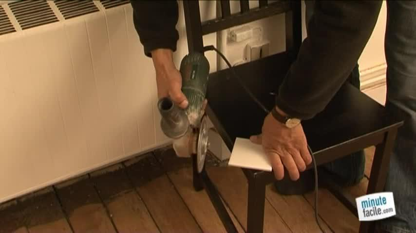 couper du carrelage avec une disqueuse - minutefacile.com - Faire Une Decoupe Dans Un Carrelage