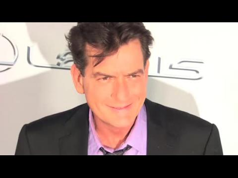 Charlie Sheen aurait expulsé Denise Richards