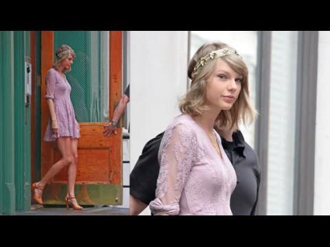 Taylor Swift est ravissante en rose