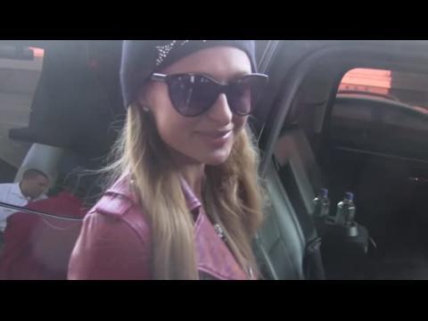 Paris Hilton dit que Lindsay Lohan est sur sa liste des vilains