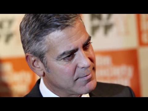 George Clooney aurait poursuivi Eva Longoria avant de se séparer de Stacy Keibler
