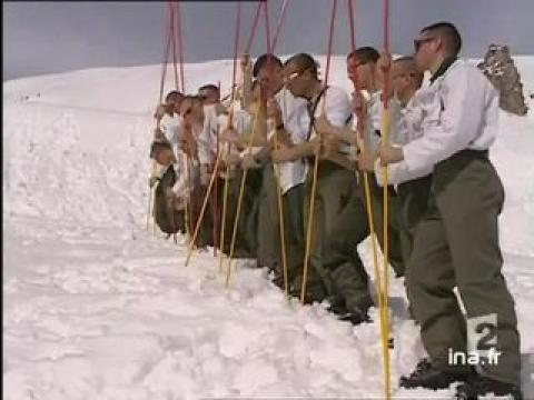 [Val d'Isère : skieurs disparus]