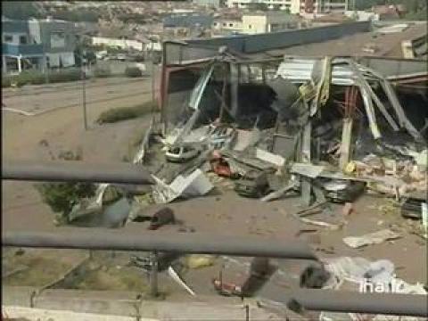 toulouse explosion de l 39 usine azf sur orange vid os. Black Bedroom Furniture Sets. Home Design Ideas