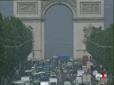[Couloirs de bus à Paris]