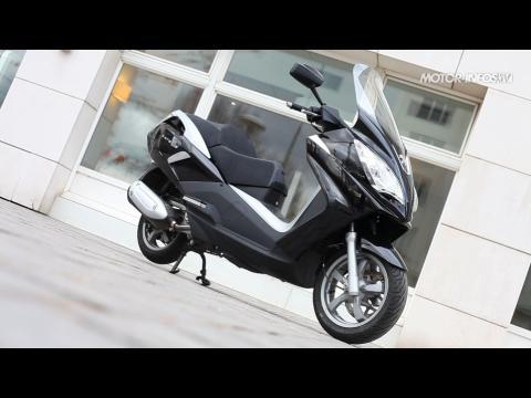 Peugeot Satelis 300 : pour 7 chevaux de plus?