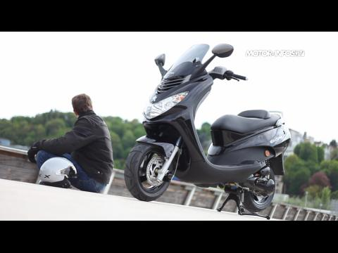 Peugeot Elystar 50 : Le plus cosy des 50 cm3