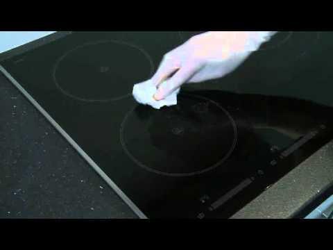 Entretenir sa table de cuisson comment je nettoie ma plaque de cuisson vitroc ramique sur - Comment nettoyer plaque vitroceramique ...