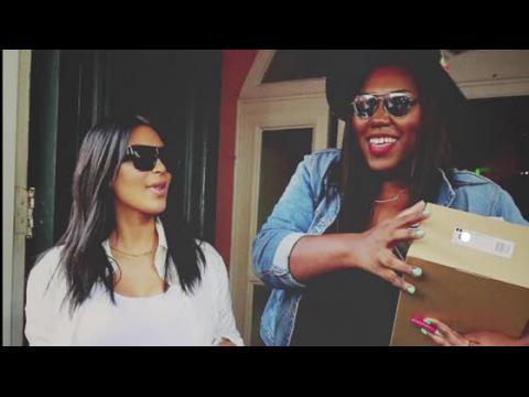 Kim Kardashian rend visite à une fan pour son anniversaire
