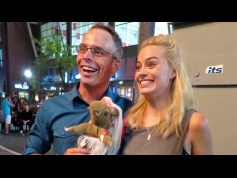 Margot Robbie reçoit un drôle de cadeau après la fête de fin de tournage de Suicide Squad