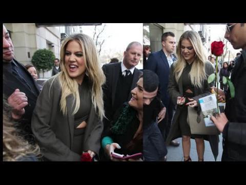 Khloé Kardashian reçoit un accueil chaleureux en Australie