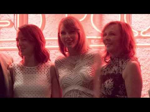Taylor Swift fait plaisir à ses fans en Australie