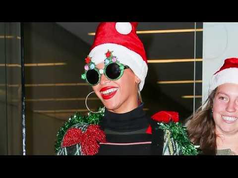 Beyoncé porte le pull de Noël le plus moche qu'on ait jamais vu