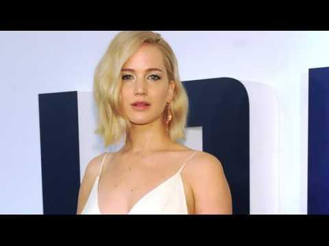 Jennifer Lawrence finit toujours soule et déçue au nouvel an