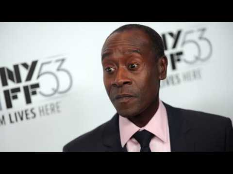 Don Cheadle explique qu'il n'a rien contre Taylor Swift