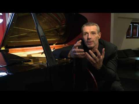 Lambert Wilson présente des reprises d'Yves Montand