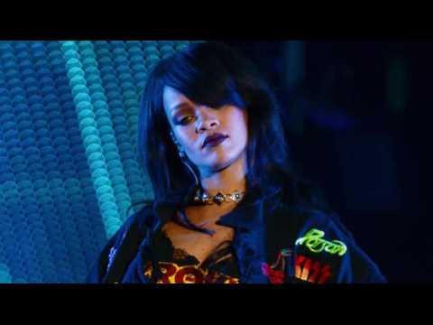 Rihanna repousse le début de sa tournée ANTI
