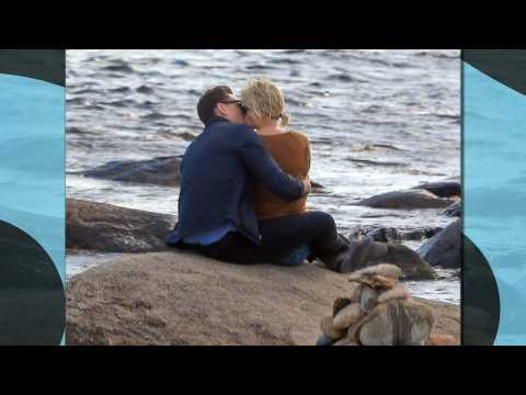 Taylor Swift and Tom Hiddleston caught kissing in Rhode Island