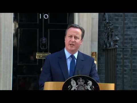 Cameron to step down