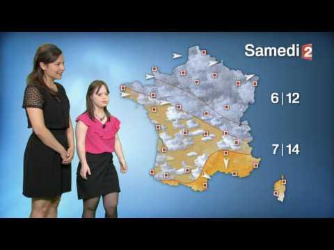 Mélanie Ségard, une jeune femme trisomique présente la météo - ZAPPING TÉLÉ DU 15/03/2017