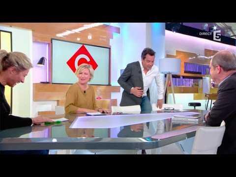 Gros fail de Patrick Cohen, le retardataire de C à vous ! - ZAPPING TÉLÉ DU 19/04/2017