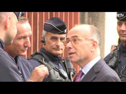 """Cazneuve est venu """"écouter"""" les policiers de Seine Maritime"""