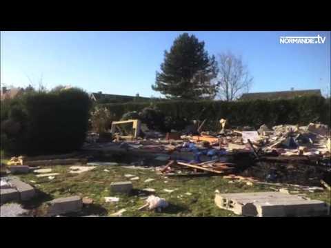 Une maison soufflée par une explosion à Richeville
