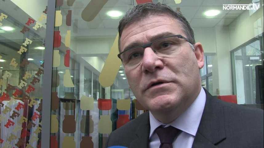 Le secrétaire d'Etat à l'industrie exprime sa position sur l'emploi