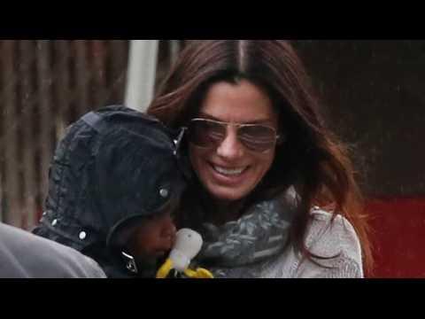 Sandra Bullock dit que Louis l'a forcée à mettre sa vie en ordre