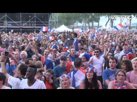 Grosse ambiance à la fan zone de Rouen durant tout le match