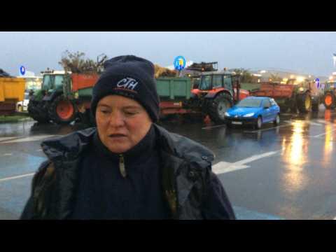 Les agriculteurs poursuivent les actions