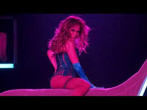 Le concert inaugural de Jennifer Lopez à Las Vegas attire les stars