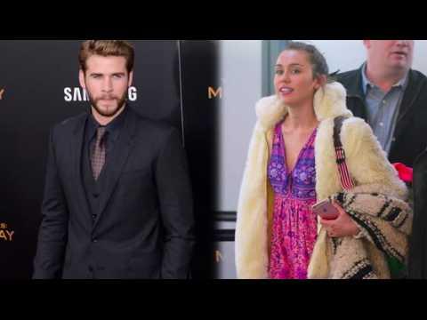 Miley Cyrus porte sa bague de fiançailles sans avoir été demandée en mariage à nouveau