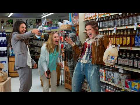 Mila Kunis, Kristen Bell Get Drunk, Talk Sex in 'Bad Moms' Trailer
