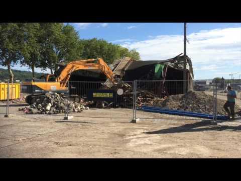 Démolition de hangars sur la Presqu'île Saint-Gervais