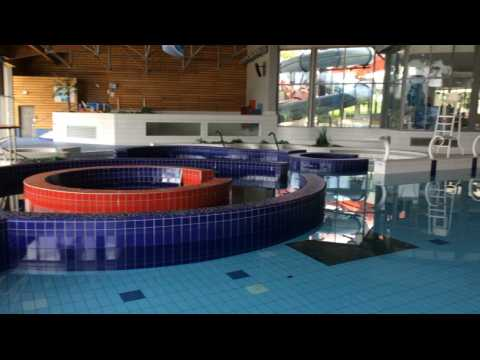 la piscine l 39 aquatis ferme pour cinq jours sur orange vid os. Black Bedroom Furniture Sets. Home Design Ideas