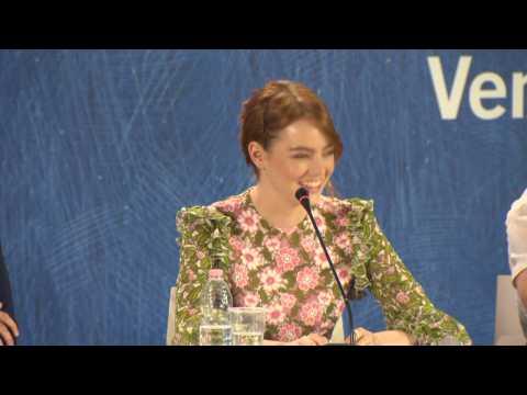 2016 Venice Film Festival Press conference: Emma Stone and Damien Chazelle