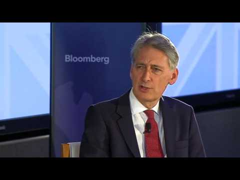 UK's Hammond reassures Wall Street