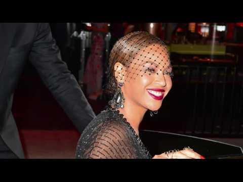 Un nouveau livre offre un coup d'œil sur la vie privée de Beyoncé
