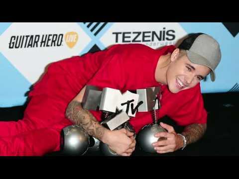 Justin Bieber gagne 5 trophées aux MTV European Music Awards