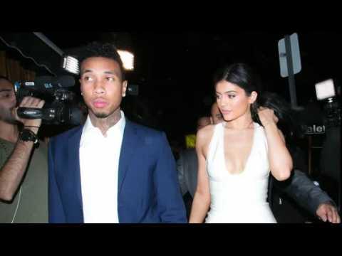 Est-ce que Kylie Jenner présente ses excuses à Tyga avec un gâteau ?