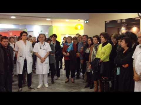 Hommage aux victimes des attentats à Laval