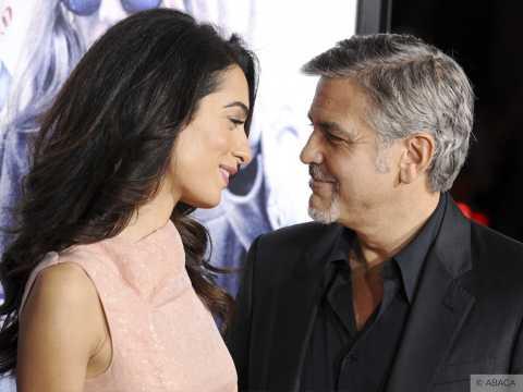 Exclu vidéo : Amal et George Clooney : Moment en amoureux sur le red carpet !
